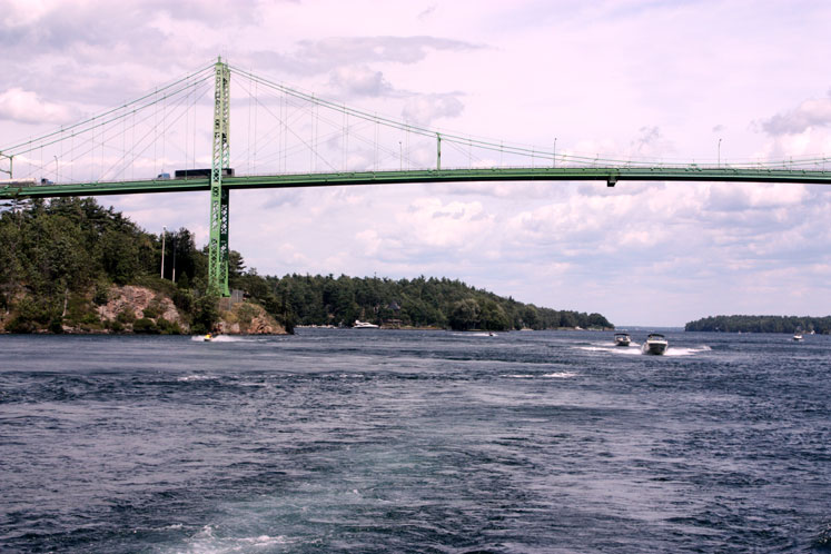 Canada Ontario Photos :: 1000 Islands :: 1000 Islands - US-Canada bridge