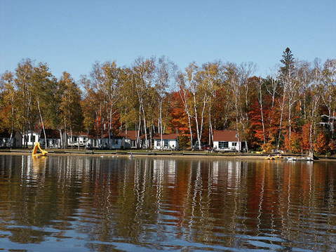 Canada Ontario Photos :: Algonquin Park :: Cottages on Oxtongue Lake near Algonquin Park