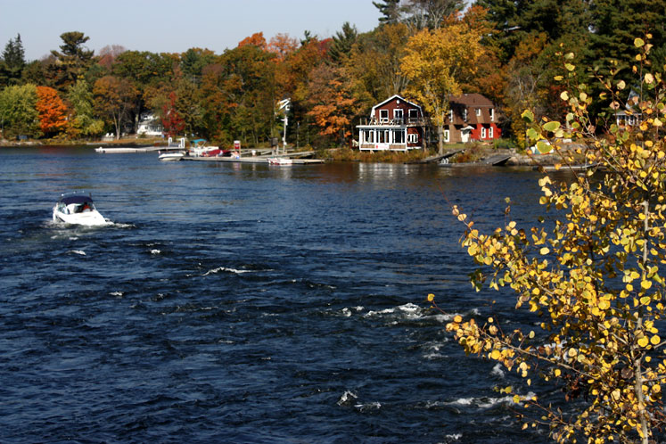 Canada Ontario Photos :: Bala :: Bala. A bright day in October