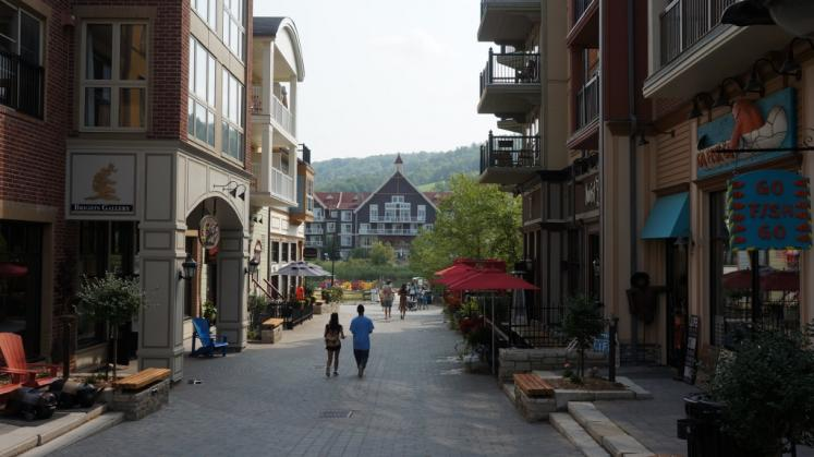 Canada Ontario Photos :: Blue Mountain :: Shops at Blue Mountain