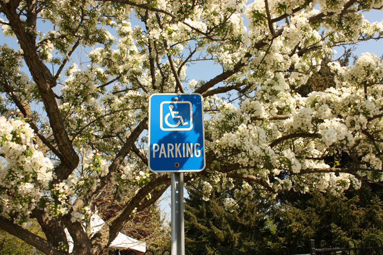 Canada Ontario Photos :: Burlington - Royal Botanical Gardens :: Royal Botanical Gardens - a parking sign