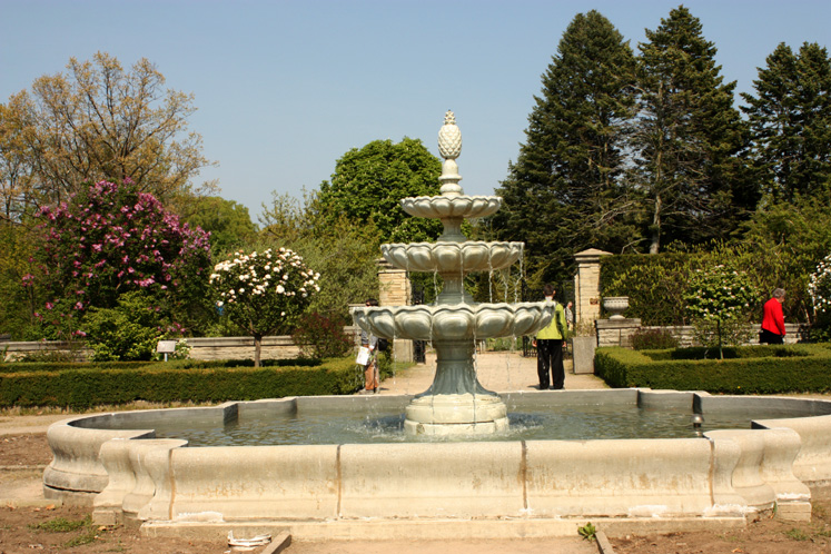 Canada Ontario Photos :: Burlington - Royal Botanical Gardens :: Royal Botanical Gardens - late spring