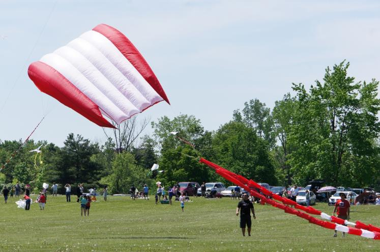 Canada Ontario Photos :: Cambridge :: 18th Anniversary Kitefest Dumfries Conservation Area Cambridge