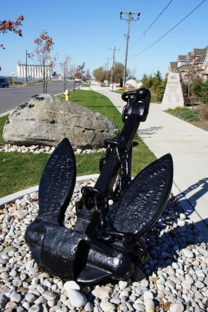 Canada Ontario Photos :: Collingwood :: Anchor along on the Harbourlands Park