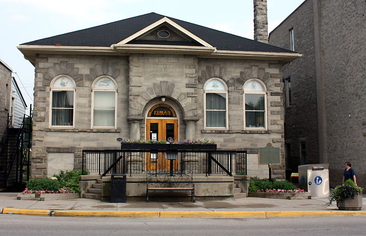 Canada Ontario Photos :: Fergus :: A building in Fergus