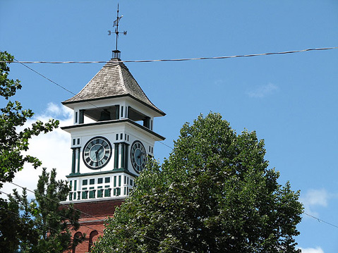 Canada Ontario Photos :: Gananoque :: Gananoque. Roof of the Clock-Tower