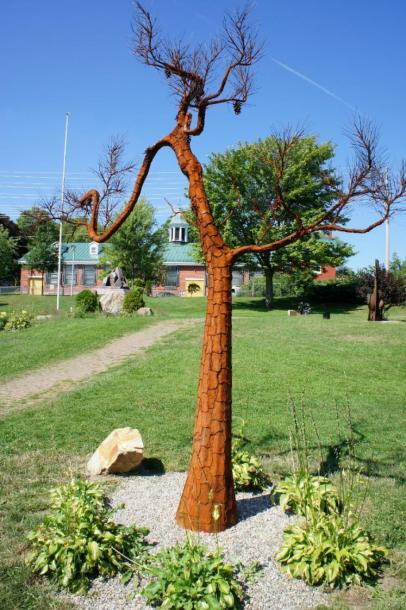 Canada Ontario Photos :: Gananoque :: The Pitch Pine 2010 by Rick Lapointe of Kingston located Condeferation Park Gananoque