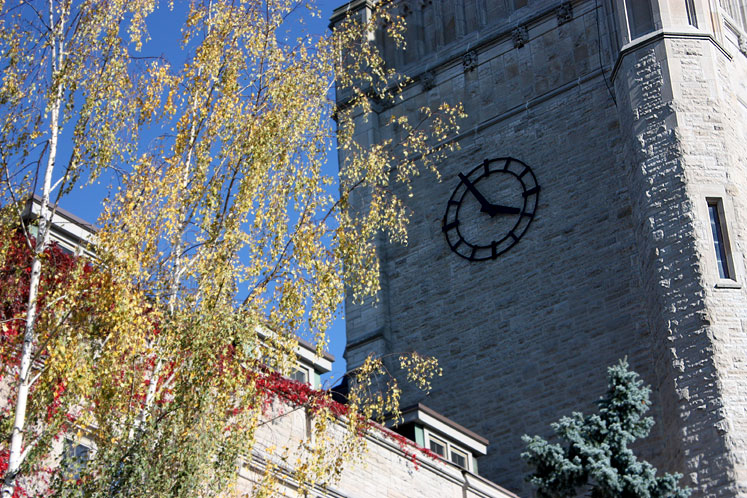 Canada Ontario Photos :: Guelph :: University of Guelph - a clock on the tower