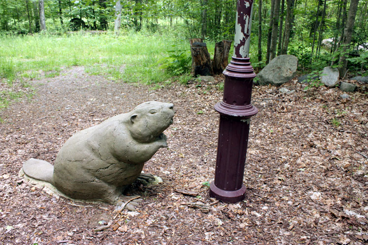 Canada Ontario Photos :: Haliburton :: Haliburton. Sculpture forest - a beaver