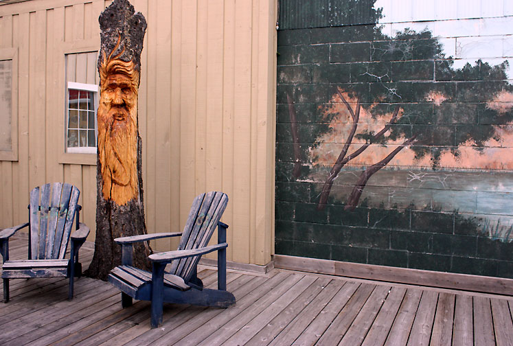 Canada Ontario Photos :: Haliburton :: Haliburton - a carved face