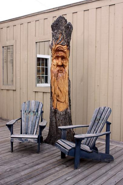 Canada Ontario Photos :: Haliburton :: Haliburton - a wood carving