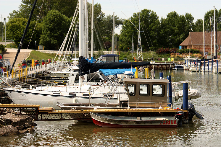 Canada Ontario Photos :: Torontonian :: Kincardine. Local marina