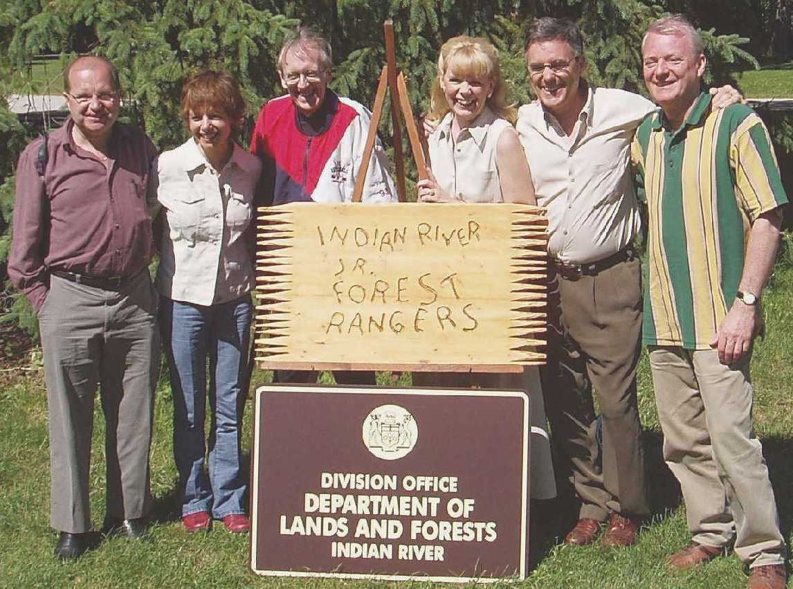 Canada Ontario Photos :: Kleinburg :: The Forest Rangers Reunion 2004