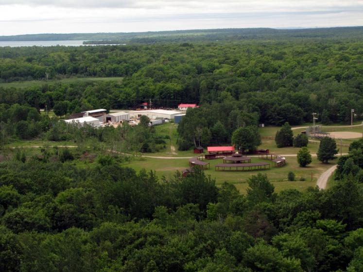 Canada Ontario Photos :: Manitoulin Island :: Manitoulin Island. M´Chigeeng First Nation village