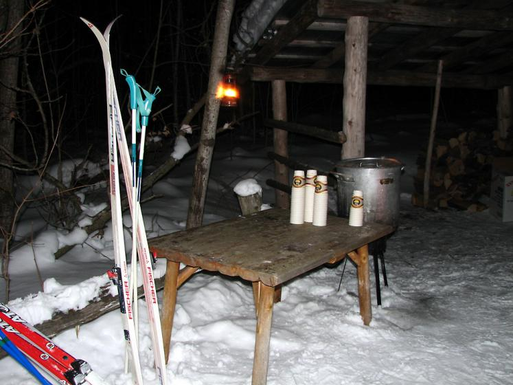 Canada Ontario Photos :: Horseshoe ski resort :: Ontario. Horseshoe ski resort - apple cider