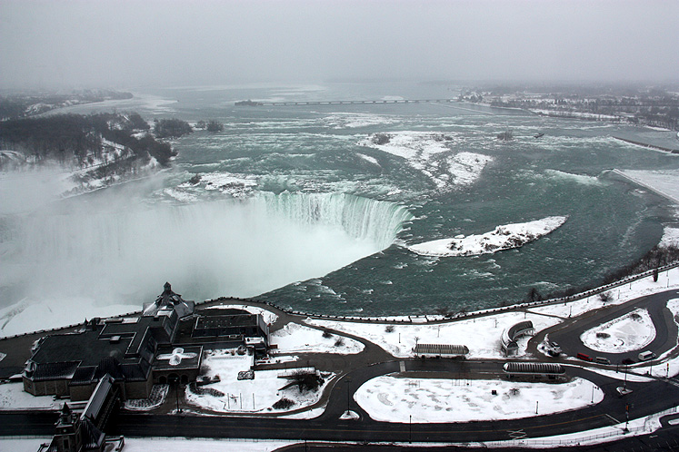 Canada Ontario Photos :: Niagara Falls (Canadian) :: Niagara Falls - a golden Horseshoe, in winter