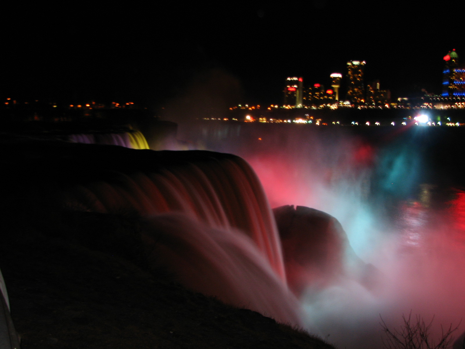 Canada Ontario Photos :: Haim :: Niagara Falls at night