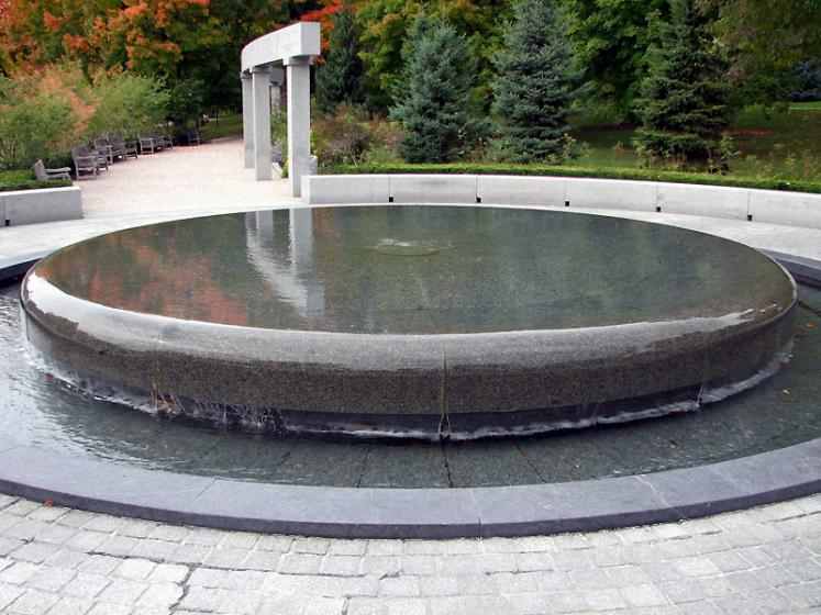 Canada Ontario Photos :: Ottawa :: Ottawa. Fountain in Rideau Hall park