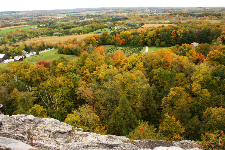 Canada Ontario Photos :: Rattlesnake Point :: A view from Rattlesnake Point