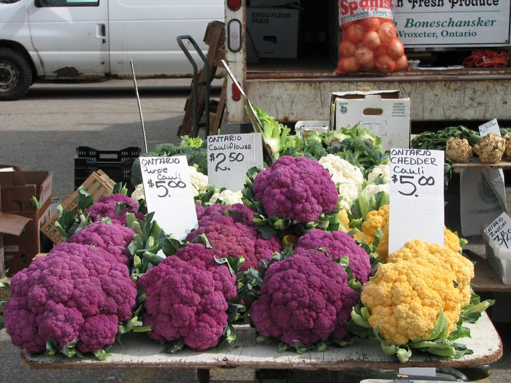 Canada Ontario Photos :: St. Jacobs :: St. Jacobs. City market - colorful cauliflower