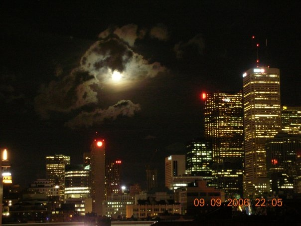 Canada Ontario Photos :: George-Karadov :: Toronto Downtown Moon