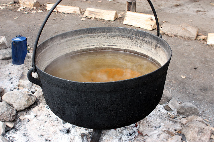Canada Ontario Photos :: Vaughan - Kortright Conservation Area :: Kortright Conservation Area - maple syrup making