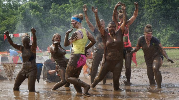 Canada Ontario Photos :: Waterloo :: 6th Annual Dirty Mud Dash at Bechtel Park Waterloo