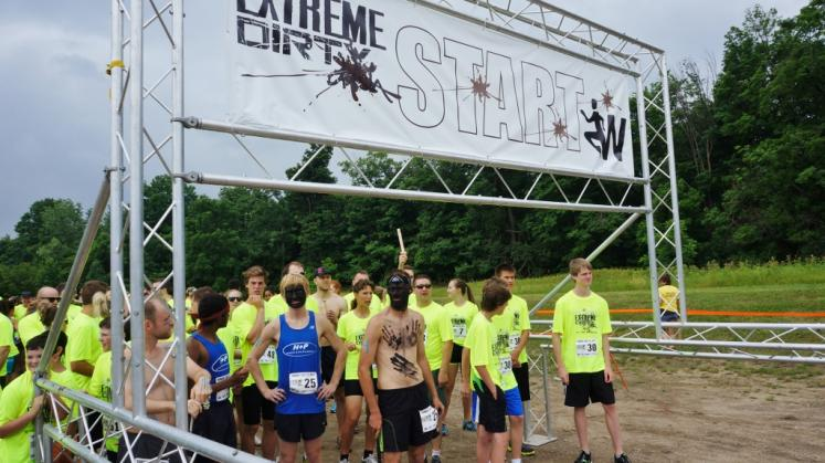 Canada Ontario Photos :: Dirty Dash :: Exreme Dirty Dash Bechtel Park Waterloo